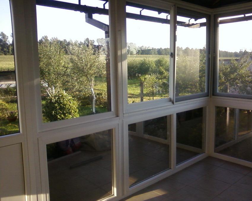 Окна и ворота в краснодаре: раздвижная оконная-дверная систе.